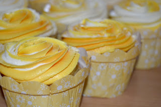 Super Easy and Moist Lemon Cupcakes with Lemon Flavoured Frosting