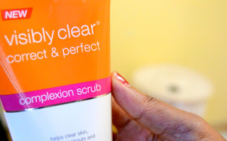 New Neutrogena Correct & Perfect Complexion Scrub
