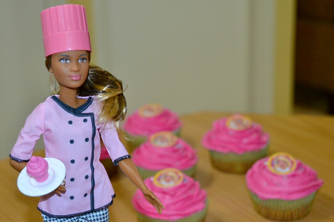 {Win} Cupcake Barbie doll Review & Giveaway