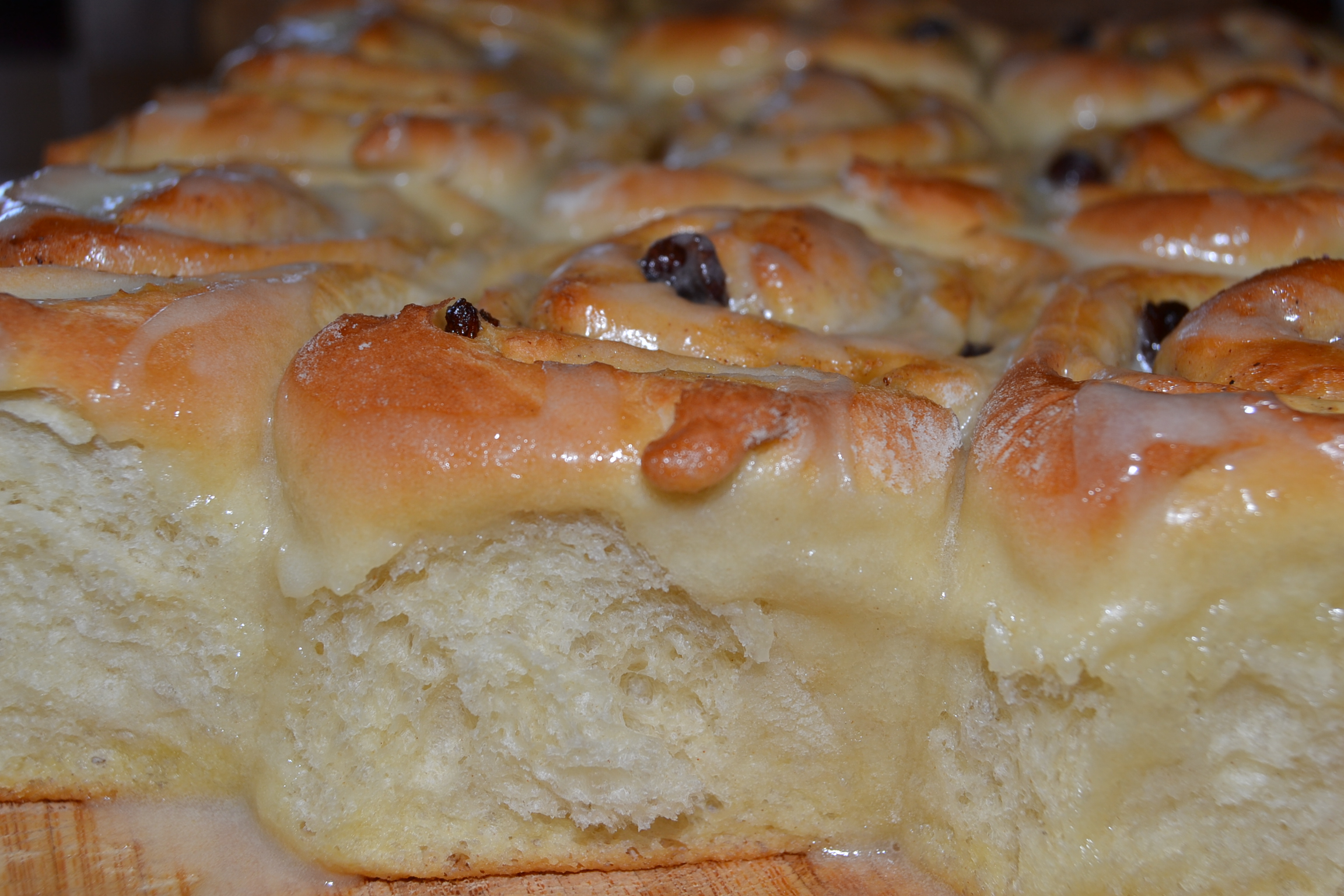{Recipe} Cinnamon and Raisin Buns