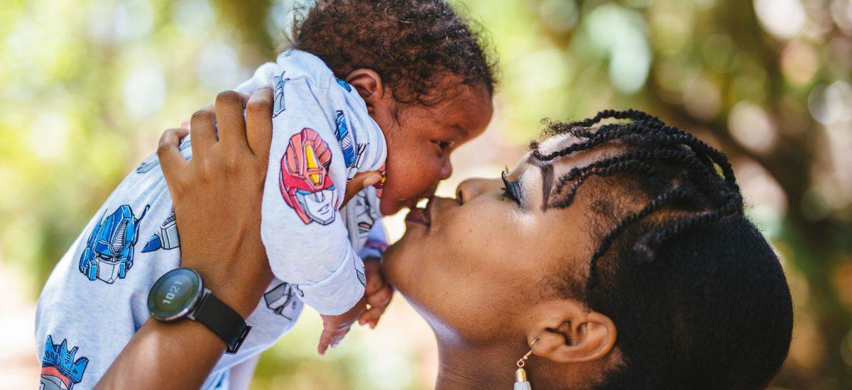 3 weeks postpartum Mother & Son lifestyle photoshoot